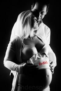 Babybauchfotos, Babybauch Fotoshooting, Babybauchfotos von Fotografin, Schwangerenfotos, Babybauchfotos von Fotografin mit Partner in Hamburg, babybauchbilder